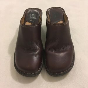 Vintage 90s Bjorndal chocolate brown leather clogs